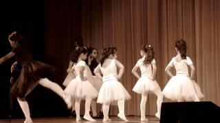 Umbrella Ballet Dance performance by Luiza Mayumi Part 1