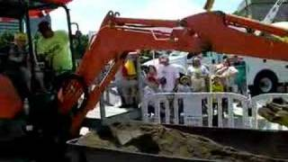 Kids Control Excavators at COSI's Big Machines
