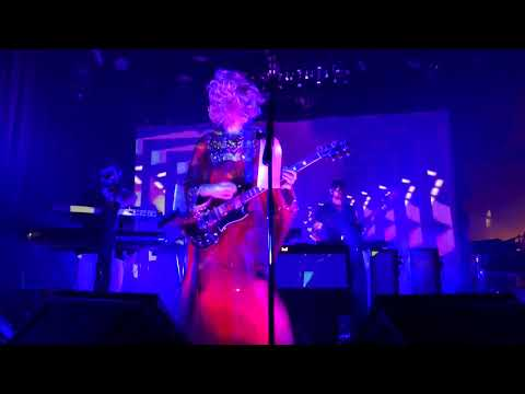 Of Montreal (15) The Party's Crashing Us @ Vinyl Music Hall (2017-12-14)