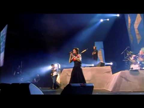 The Cranberries - Dreams (HD Live) Live in Paris France