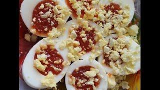 Яйца фаршированные красной икрой рецепт  Вкусные закуски на праздник.