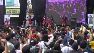 This is our performance at Ennichisai - Blok M Jakarta (20140525) W...