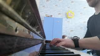 Тёмная ночь на пианино