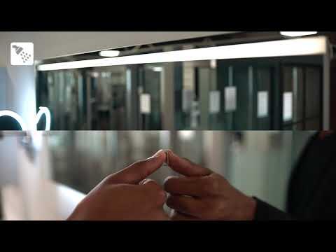 Badkamerspiegel met LED verlichting en verwarming from YouTube · Duration:  23 seconds
