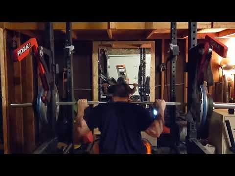 315 Lbs (140 Kg) Pause Squats For 4