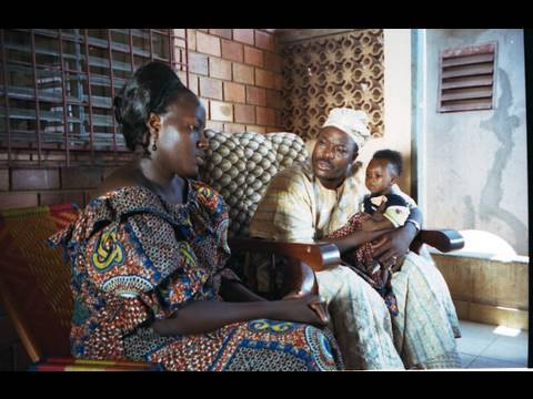 Wolof film, English captions : Mariage forcé et SIDA (Global Dialogues)