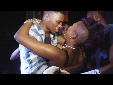 Download Eva Alordiah - LIT PERFORMANCE at UNIBEN, Nigeria