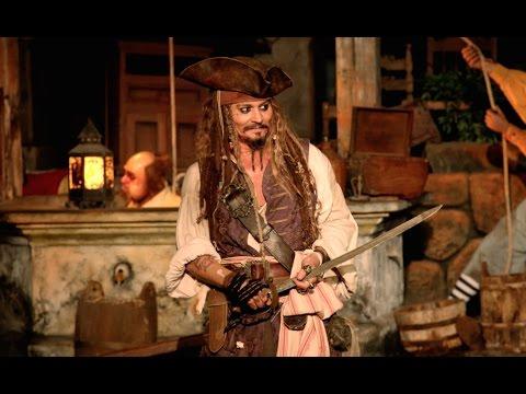 PIRATI DEI CARAIBI: LA VENDETTA DI SALAZAR - La sorpresa di Johnny Depp a Disneyland