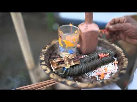 MENGUSIR HUJAN  ritual mengusir hujan ( nerang ) di bali..keragaman budaya hindu bali