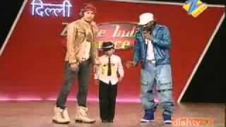 7 летний мальчик танцует под Майкла Джексона1