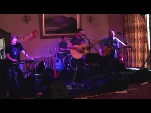 SOUNDSTORM perform Daddy Cool, acoustic version at Brecon Oxjam