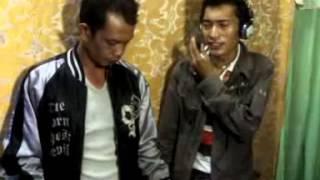 tausug-song-tiyubuan-lasa-song-by-ali-akbar-back-2-back-group-vol1