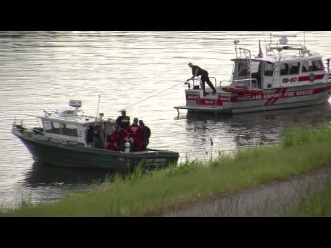 Divers recover body of woman whose pickup crashed into Columbia River off NE Marine Drive