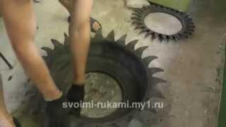 Клумба из покрышки / DIY Flower bad tires(Как сделать клумбу из старой шины, покрышки своими руками с помощью ножа. Не забудь поставить лайк и остави..., 2014-07-22T19:35:58.000Z)