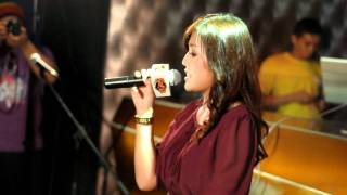 Shila Amzah - Rolling In The Deep Cover (Live)
