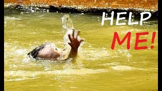 FEELING DEEP SCARE ! Small Maddix Up Hand Ask Help In Deep Water.