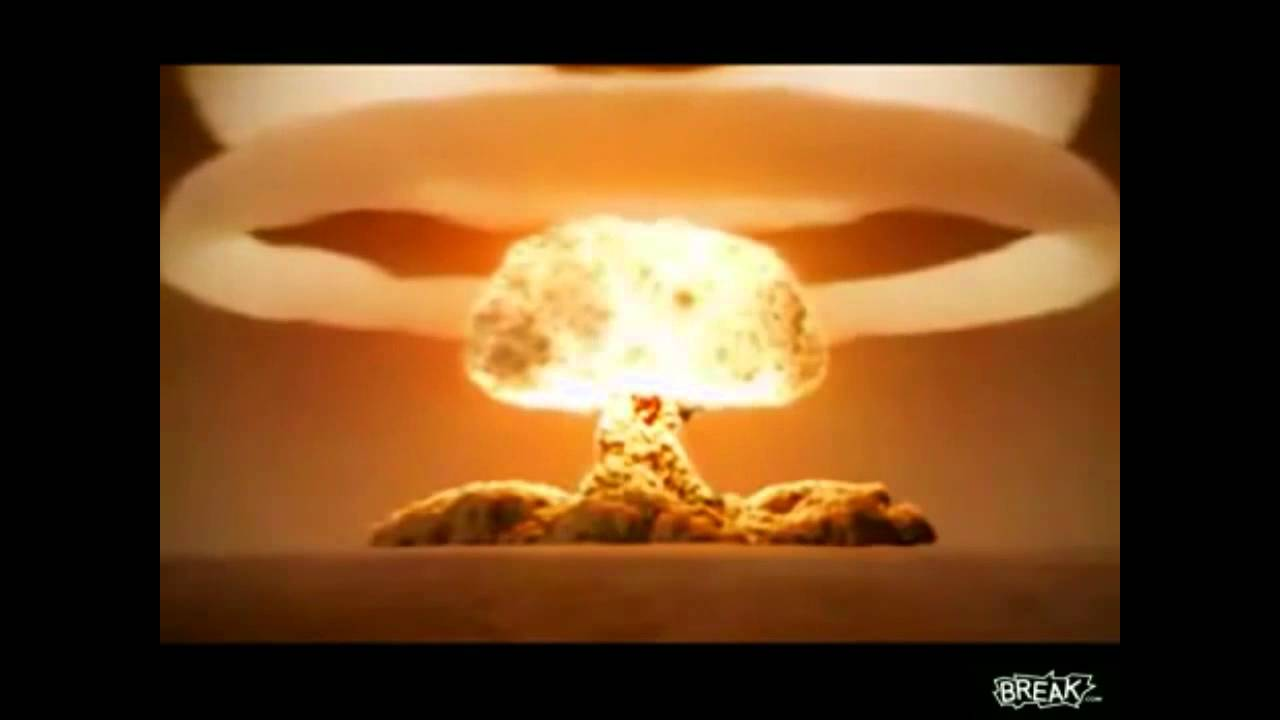 a history of the manhattan project and the use of atomic bomb The events surrounding the invention and use of two atomic weapons by the united states on japan during wwii are among the most controversial and significant developments in modern american history.