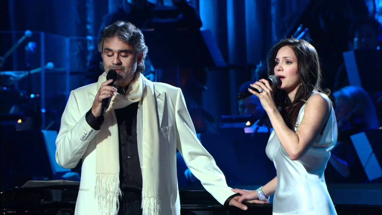 Andrea Bocelli e Katharine Mcphee cantano The prayer in una esibizione commovente