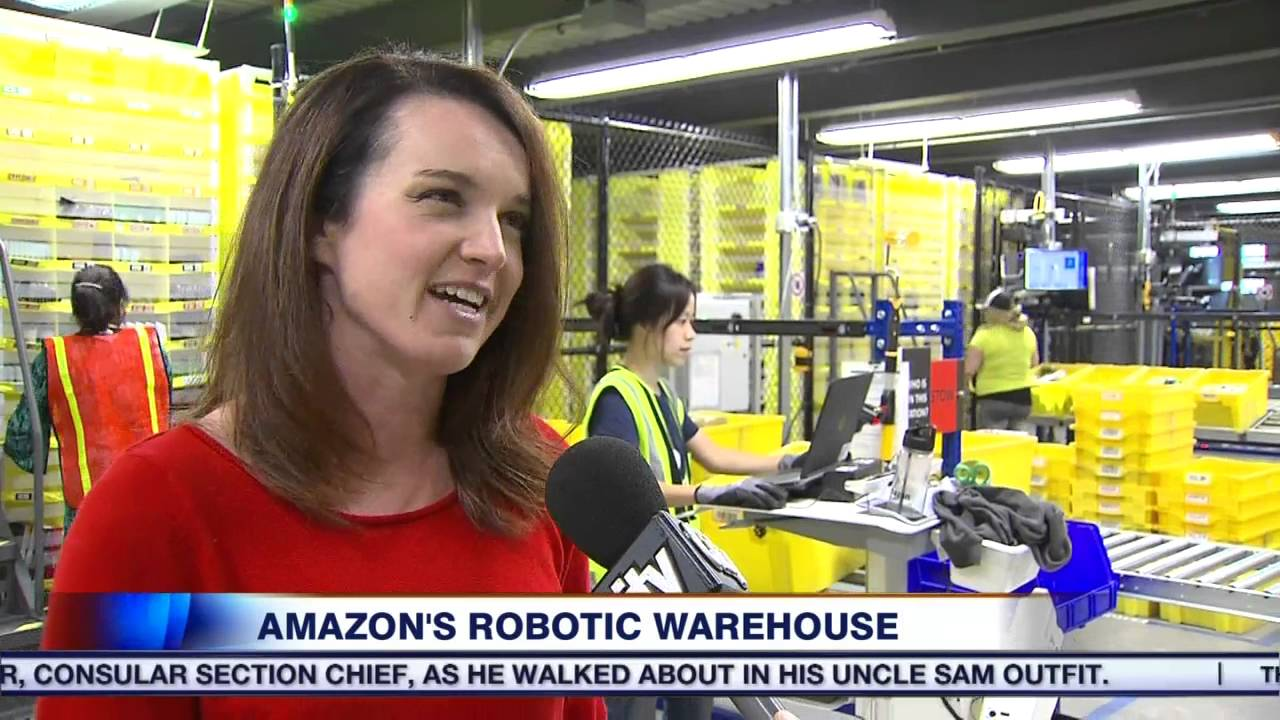 Video Inside Amazon S Robotic Warehouse Youtube