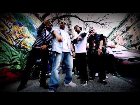 Kenny The Ripper ft. Reyo El Patriarca, Algenis - La Calle Esta Caliente (Official Video).mp4