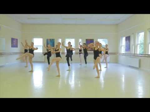 Stella Mann College - Morning Ballet Class