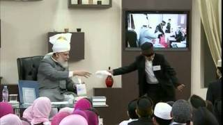 Bustan-e-Waqfe Nau, 16 Jan 2011, Educational class with Hadhrat Mirza Masroor Ahmad(aba)