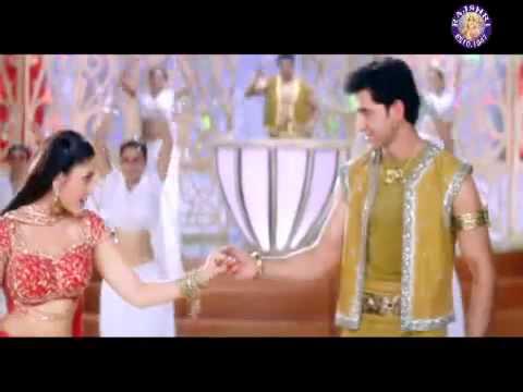Bani Bani   Main Prem ki Deewani Hoon   Kareena, Hrithik Roshan & Abhishek   YouTube