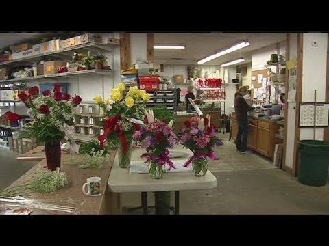Florist shops stay open despite snow storm