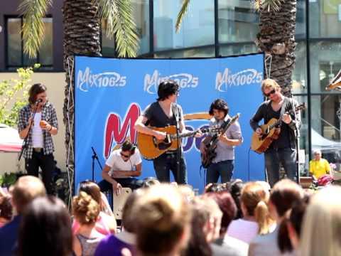 Parachute - Kiss Me Slowly (Live @ Santana Row, San Jose, CA)