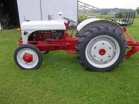 Ford N Series Tractor - Ferguson? 9 N 8 N 2 N Jubilee? 1952 Ford