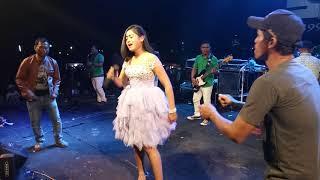 Download lagu Sk Anisa heboh Debu debu jalana MP3