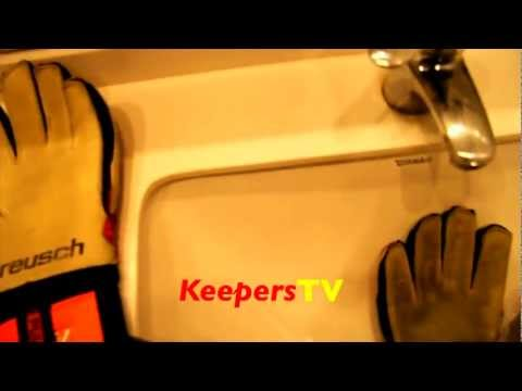 How To Clean Your Goalkeeper Gloves