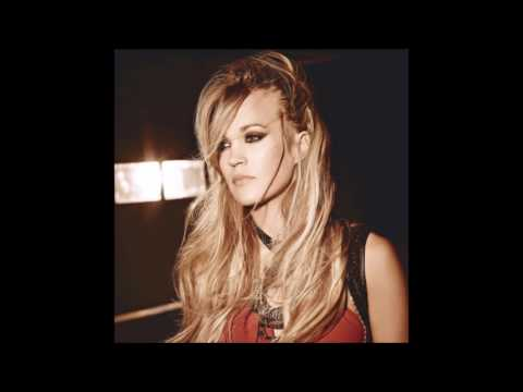 Carrie Underwood - Chaser (Acoustic version)