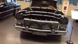 Ретро автомобили Януковича в Межигорье
