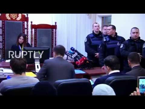 LIVE: Court considers Saakashvili's lawsuit against migration service