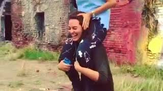 Sonakshi sinha shoulder lift carry