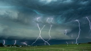 LIGHTNING BLITZKRIEG !!!  Violent Storm Time Lapse