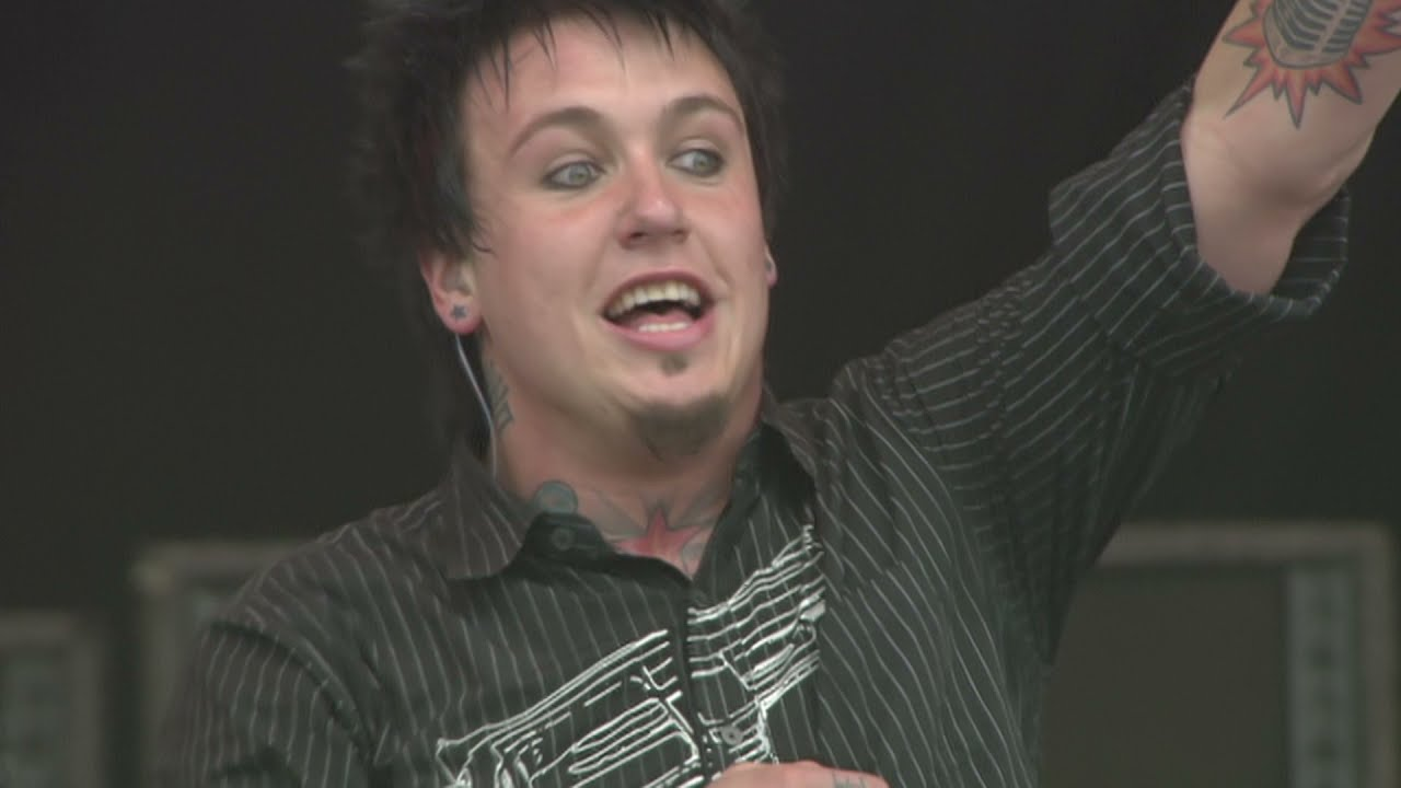 Papa Roach - Full Performance at Download Festival 2005