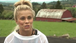 UFC star Paige VanZant returns to her roots in Oregon