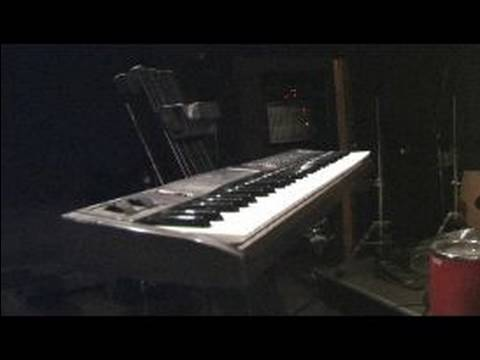 How To Set Up Band Equipment : How to Set Up a Keyboard on Stage