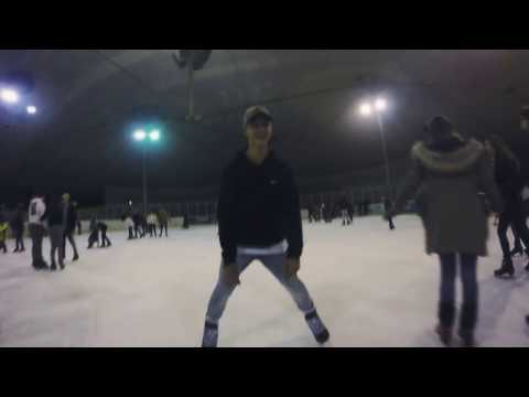 Schlittschuhlaufen aufm' Eis drinne an nem Sonnabend!! oha