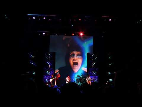 The Smashing Pumpkins - Silvery Sometimes (Ghosts) - London Wembley SSE Arena - 16th October 2018