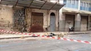 Palermo, balconi crollano su auto in sosta