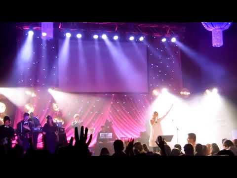 Kim Walker-Smith - Miracle Maker (Live)