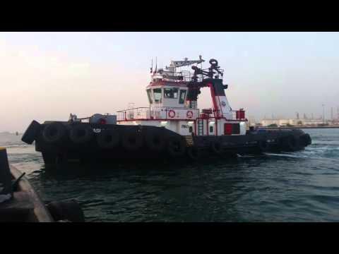 Harbour tug Dubai jabbal ali