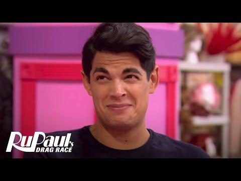 "RuPaul Tells Valentina, ""Tuck Better!"" BONUS Clip   RuPaul's Drag Race Season 9   VH1"