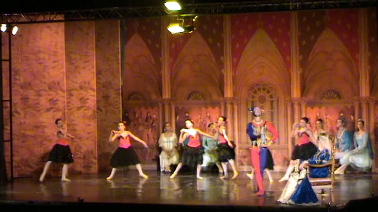 126f1ce260f Σχολή Βάσω Νιακάκη & Μoscow ballet, Λιμνη των Κύκνων χορός με μάσκες