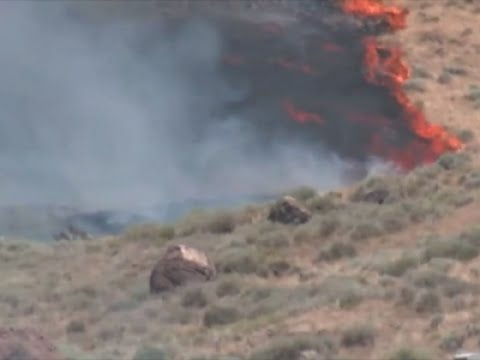 Raw: Nevada Wildfire Shuts Part of Interstate 80