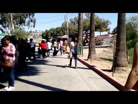 Конец очереди у границы Мексики