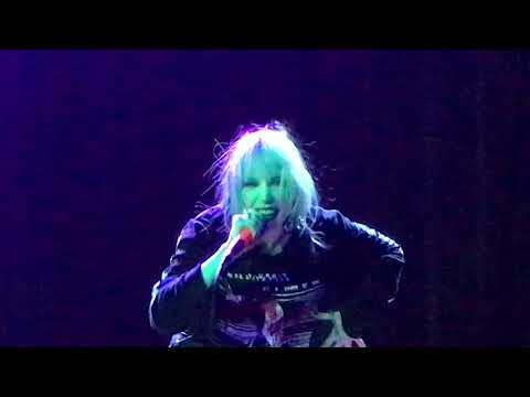 Alice Glass - Without Love - Live Oct.15, 2017